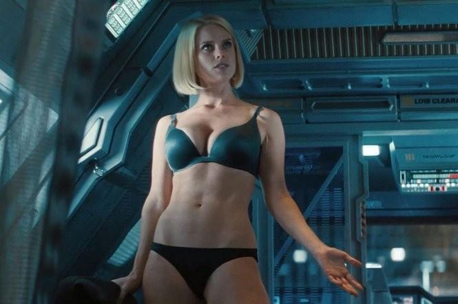 Katee-Sackhoff-Nude-Sexy-7